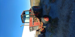 886 Tractor With international DT360 Motor