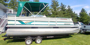 CREST 22' PONTOON BOAT 50 HP 4 STROKE JOHNSON MINT COND!-COVER