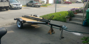 Small utility/motorcycle trailer