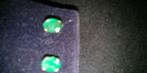 14K GOLD COLOMBIAN EMERALD EARRINGS 2 CARATS TOTAL