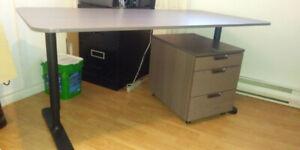 Négociable Table de travail et filière assortie