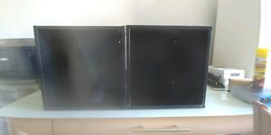 2 cubes ikea en bois noirs