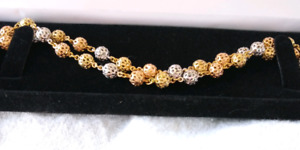 Ladies try color gold necklace