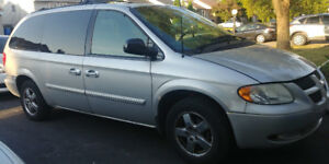 2004 Dodge Caravan for Sale - Saint Constant - South Shore