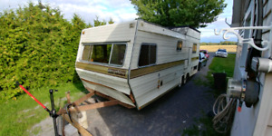 23-ft Camper Trailer - perfect flat bed opportunity