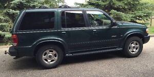 1999 Ford Explorer Limited, 5.0L V8 - Best Offer Regina Regina Area image 1