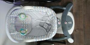 Balancoire électrique neuve pour bébé