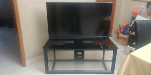 "42"" DYNEX WITH STAND"