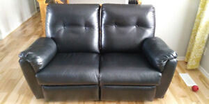 Causeuse Inclinable Vrai Cuir Kijiji In Greater Montréal Buy
