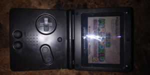 Mint Nintendo Gameboy advance with games