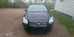 Ford focus SEL 2012 Well taken care of.