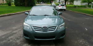 Toyota camry le 4 cylindre 2010...proprio unique 63 ans