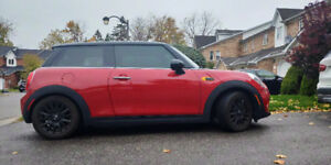 2017 Mini Cooper 3 door hatchback lease transfer