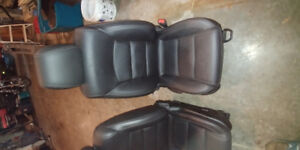 Chevrolet Cruze 2013 front leather seats