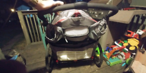 Coupe (2) persons stroller .. Great condition