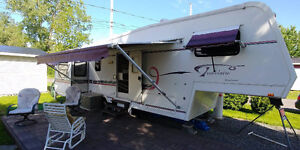 Roulotte fifth wheel Glendale Travelaire 35' au Port St-François
