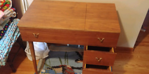 Desk/sewing table with drawers