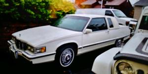Cadillac fleetwood 91 a vendre