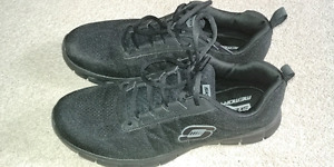 MENS SKETCHERS SKECH KNIT MEMEORY FOAM SIZE 9