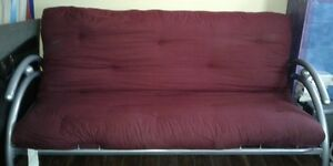Metal frame fouton (couch/bed)