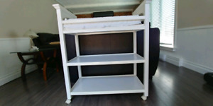 Graco Baby Change Table with pad LIKE NEW!