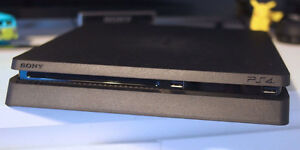 Playstation 4 - PS4 - Mint condition