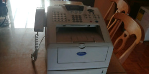 Imprimante fax multifonctions Brother MFC-8220