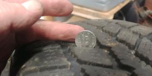 225 60 16 nexen winter tires and rims 80%