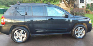 2009 JEEP Compass North + extras!