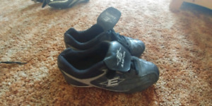 Easton cleats size 6