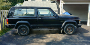 1992 Jeep Cherokee With 33BFK02's