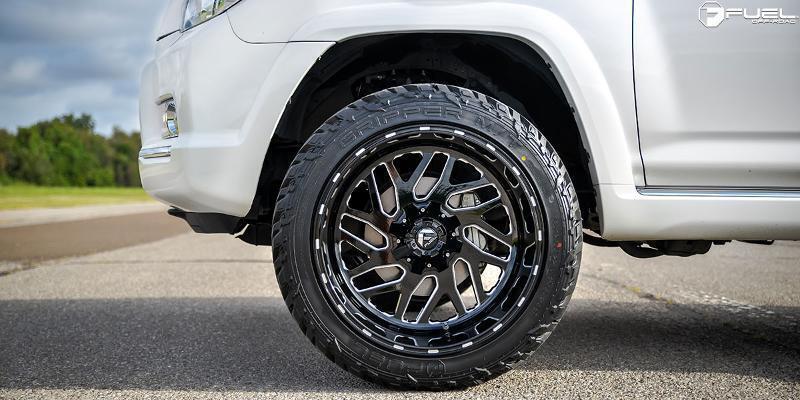 "Fuel D581 Triton 22x12 -43 Black Wheels 33"" Amp Mt Tires Package 6x5.5 Chevy"