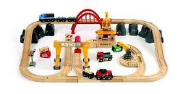 Brio cargo deluxe railway set and crane