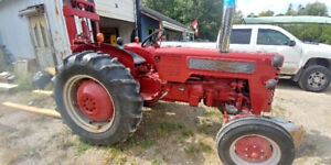 1959 B275 Diesel International Harvester Tractor with Fork Lift