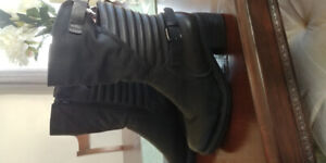 Women's size 8 boots