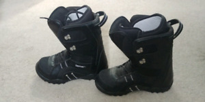 Size 11 Lamar lined snowboard boots