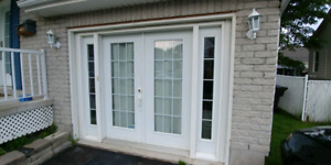Portes double pour garage. Double doors for garage.