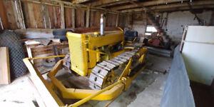 Bouteur (Bulldozer) John Deer 420 1949, 2 cylindre au Gaz