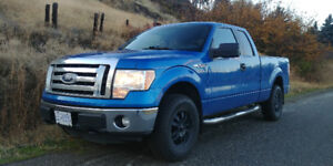 Ford F-150 XLT Pickup Truck only 56,000km