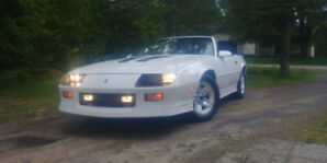 Divorcing-Reduced to sell !!Camaro IROC Z 1989