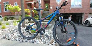 Vélo de Montagne 2014 Trek 3700 Disc Trail Bike 13 pouces