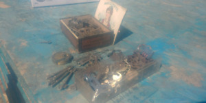 Skeleton keys/ locks/cigar boxs