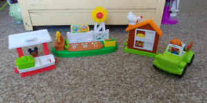 Little people farm/garden stand and chicken coop