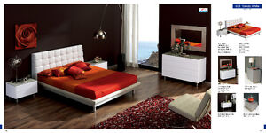 Bedroom sets, beds, night stands, mirrors, dressers