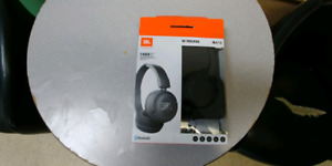 New in box jbl wireless headphones