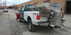 2006 Ford F-350 Diesel Truck - BOSS PLOW & SALTER INCLUDED