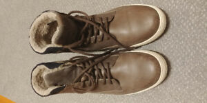 ALDO boots, 10.5, very good condition