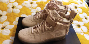 NEW - Nike SF Air Force 1 Mid - Women's (Size 6.5)