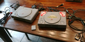 2 consoles playstation 1 / one