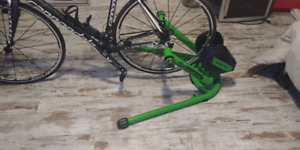 Bike trainer Kinetic rock and roll